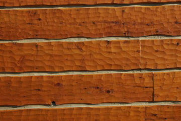 Hand_Hewn_Log_Siding_5